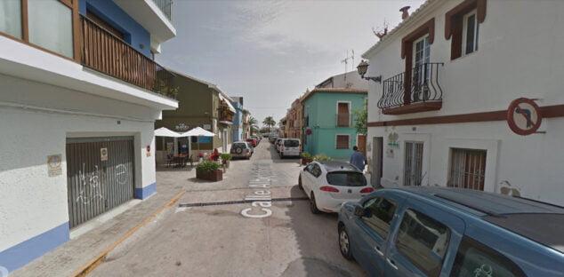 Imagen: Estacionamiento en la calle Alberto Sentí del barrio de Baix la Mar