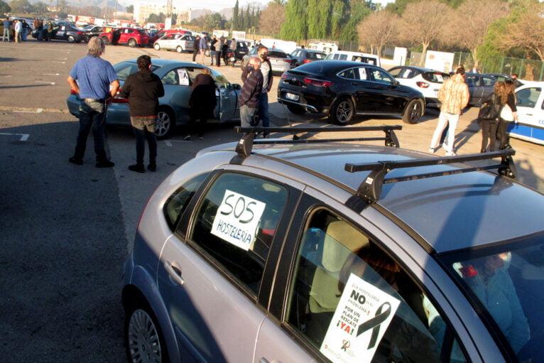 Demonstration of cars in Dénia de la Hostelería 01