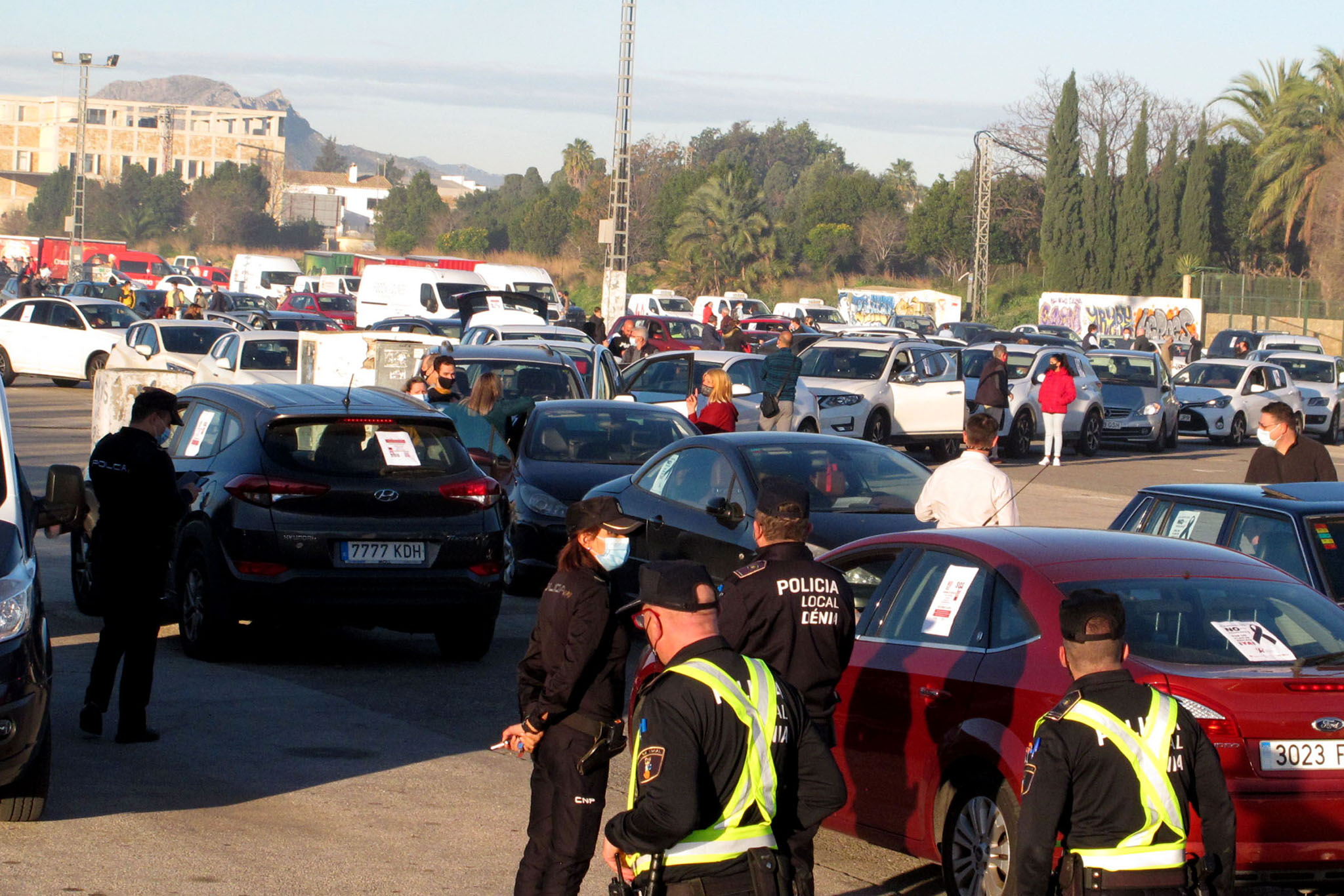 Demonstration of cars in Dénia de la Hostelería 03