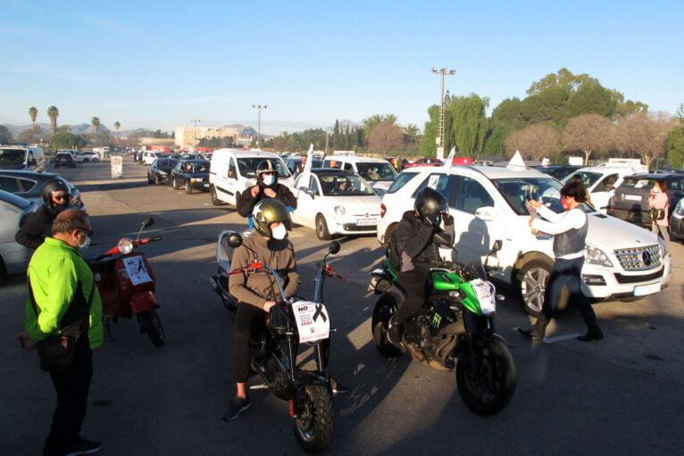 Demonstration of cars in Dénia de la Hostelería 04