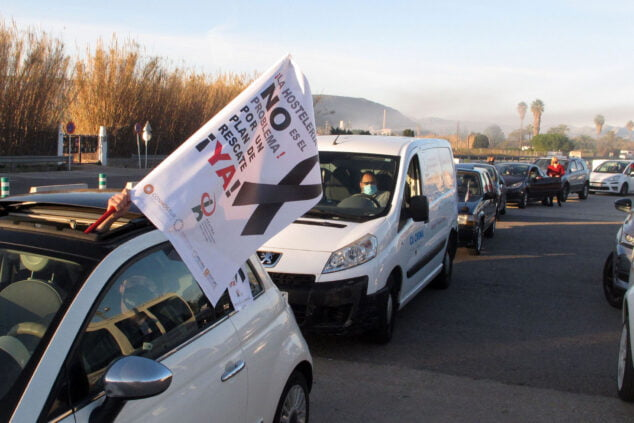 Изображение: Демонстрация автомобилей индустрии гостеприимства в Дении