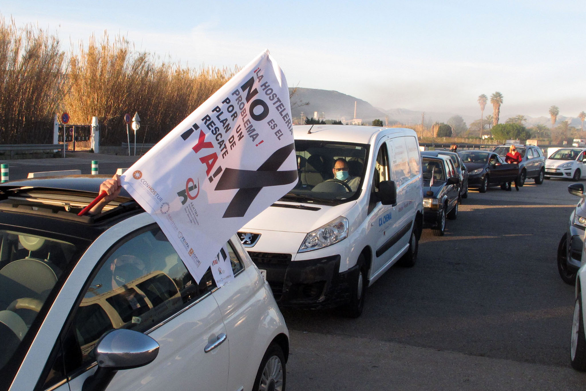 Demonstration of cars in Dénia of the hospitality industry