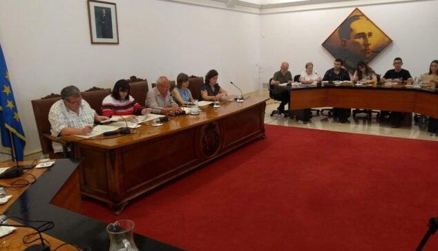 Imagen: Miembros del PSPV durante un pleno de 2019