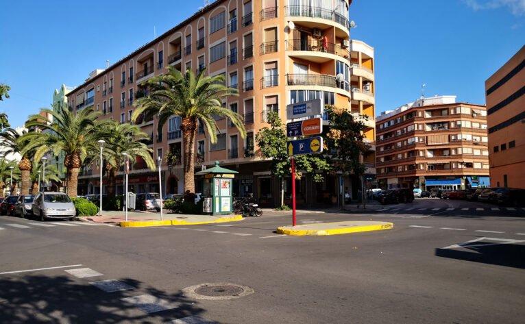 Resurfaçage d'une partie du Paseo del Saladar à Dénia, avec des budgets participatifs