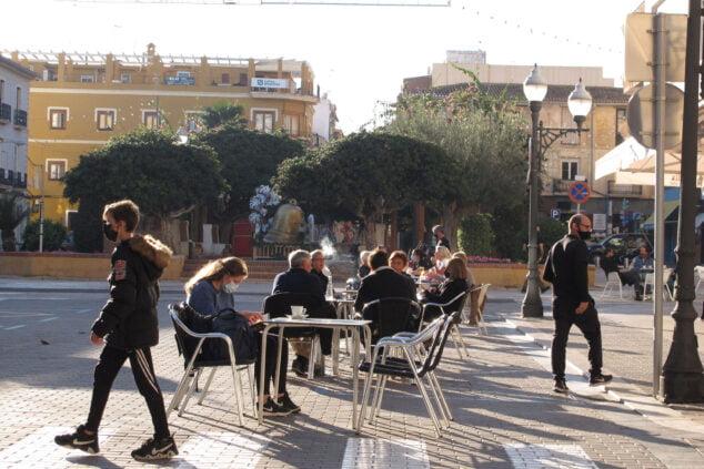 Image: Terrasses dans le centre de Dénia à Noël