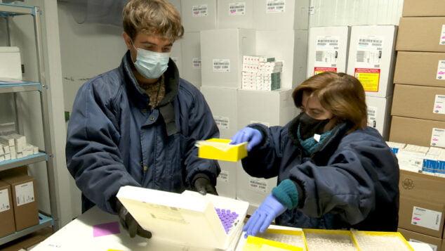 Image: Transfert des vaccins Pfizer dans la Communauté valencienne