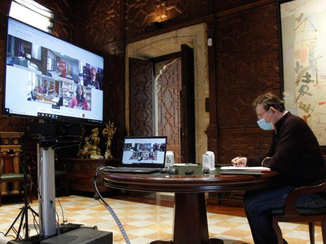 Image: Ximo Puig lors de la réunion des infrastructures sanitaires