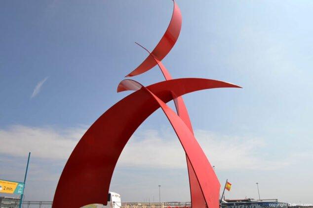 Imagen: Portal del Vent, escultura en el Puerto de Dénia