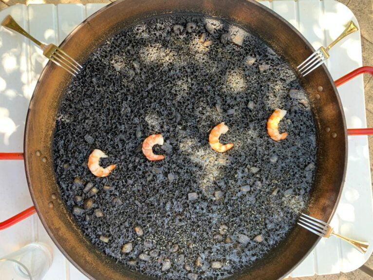 Arroz negro a domicilio en Dénia - Gastropaella