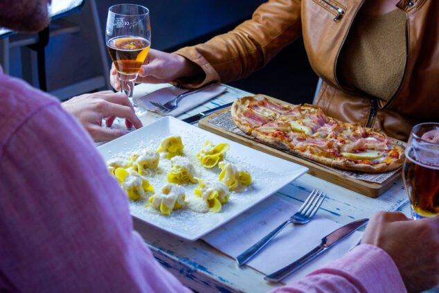 Image: repas de la Saint-Valentin à Dénia -DOA