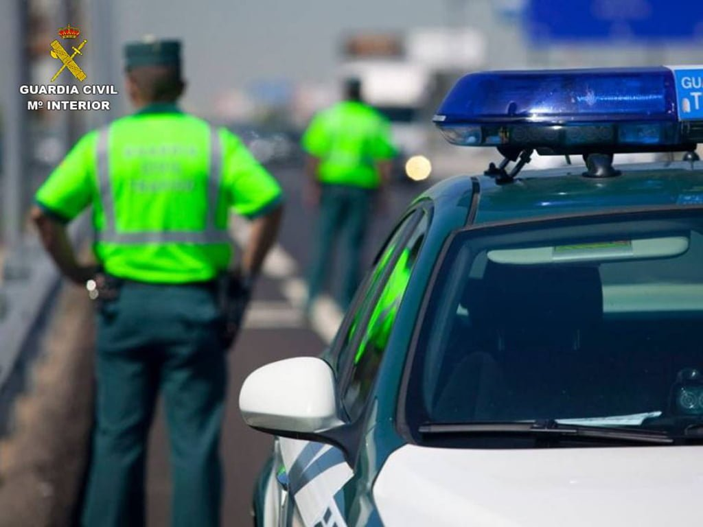 Control of the Civil Guard on the road