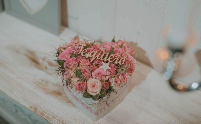 Détails pour la Saint-Valentin dans les mariages et les fleurs