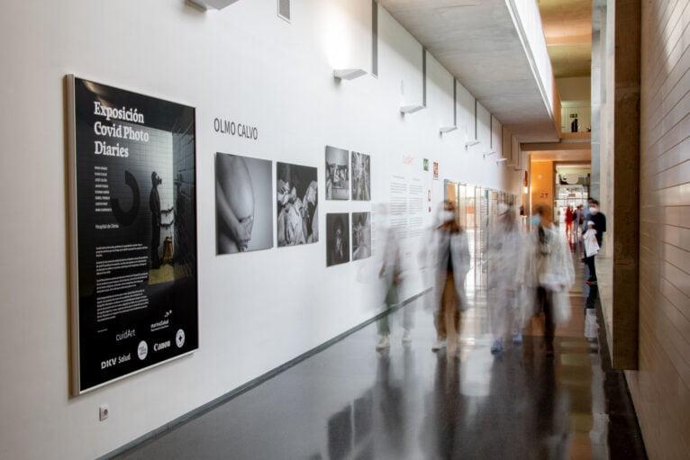 Exposition de journaux photo COVID