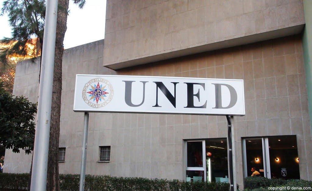 La première semaine d'examens à l'UNED Dénia se termine