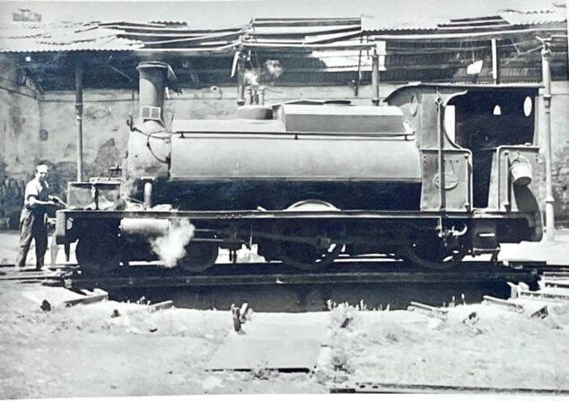 Image: Photo of one of the locomotives from Vicent Ferrer and Hermenegildo's archives