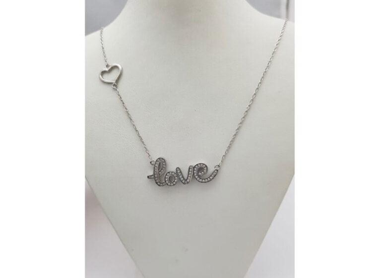 Pendentif Love avec zircons - Bonilla Jewelry