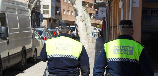 Image d'archive d'une patrouille de police locale