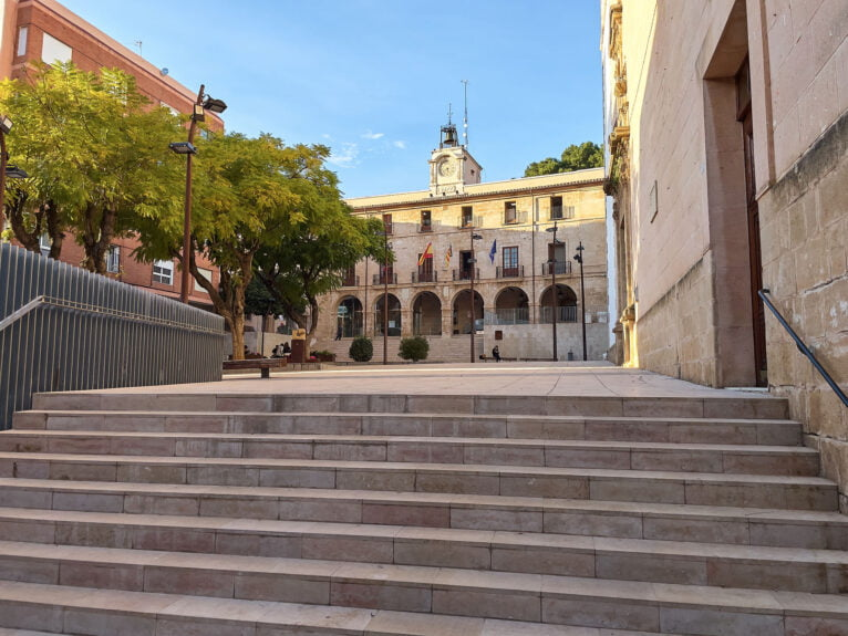 The Valencian formation asks the State government for aid such as those applied by the Generalitat Valenciana for the sectors affected by the closures derived from COVID-19