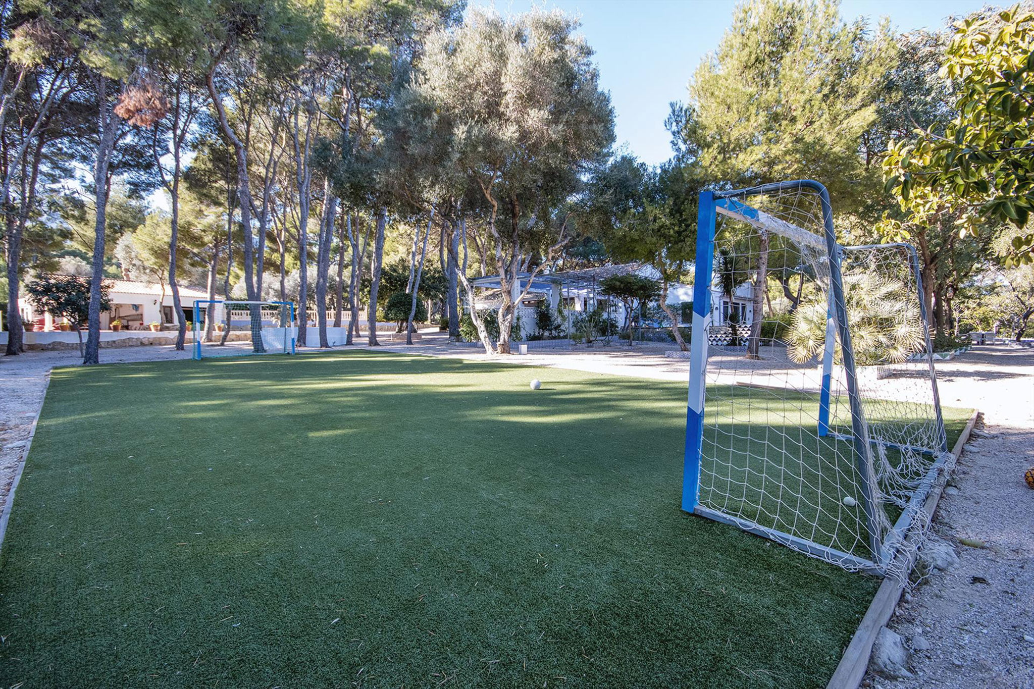 Outdoor court in a large vacation home in Dénia - Aguila Rent a Villa