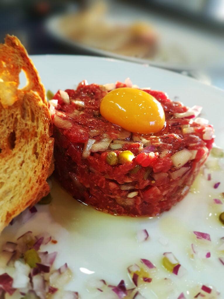 Steak tartar en La Chuleta Dénia