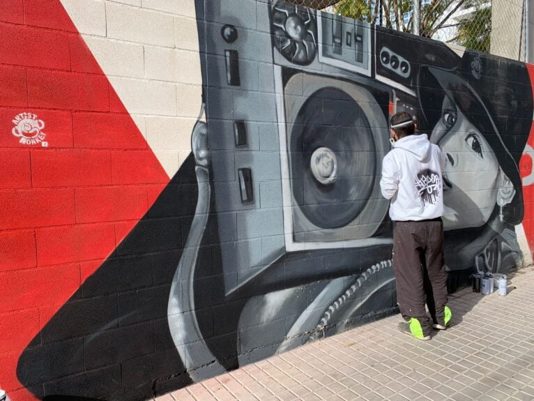 Travaux de restauration des graffitis La Vía