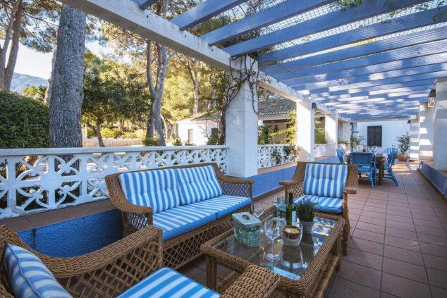 Imagen: Zona de estar en una casa grande de vacaciones en Dénia - Aguila Rent a Villa