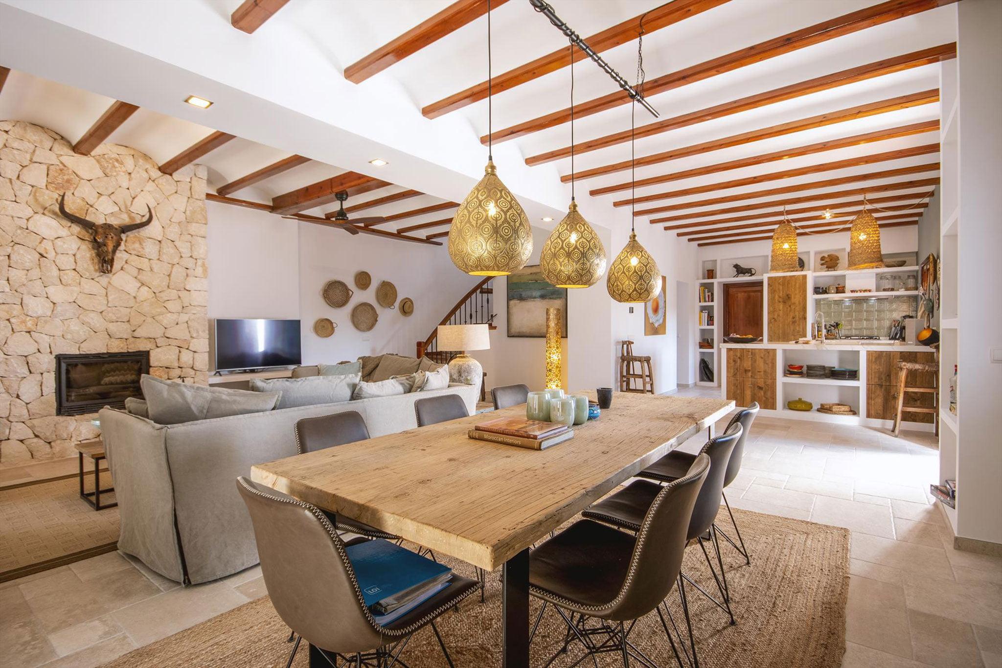 Comedor de una villa de vacaciones en Dénia – Aguila Rent a Villa