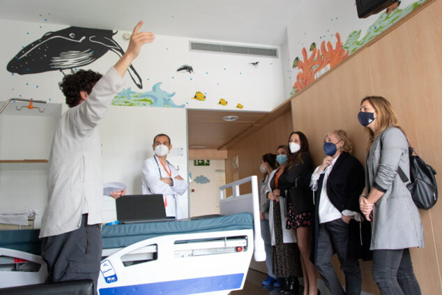 Imagen: Una de las habitaciones del área de Pediatría del Hospital de Dénia - Portal de la Marina