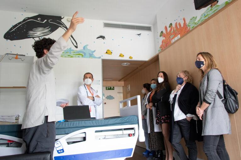 Una de las habitaciones del área de Pediatría del Hospital de Dénia - Portal de la Marina