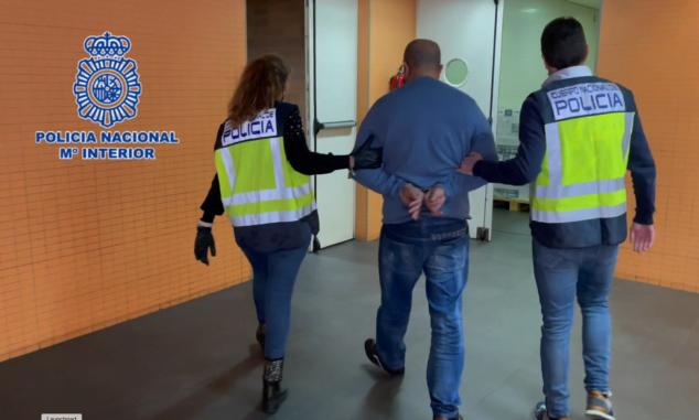 Imagen: La Policía Nacional ha detenido a catorce personas y ha desarticulado una banda especializada en el robo y asaltos violentos a domicilios
