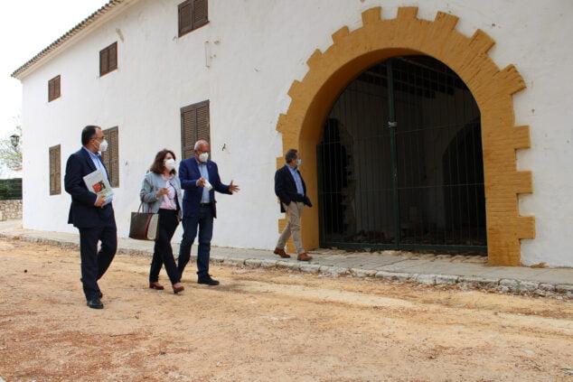 Imagen: La Universidad de Alicante y el Ajuntament de Dénia trabajan en la creación de un Campus Gastronómico de carácter internacional