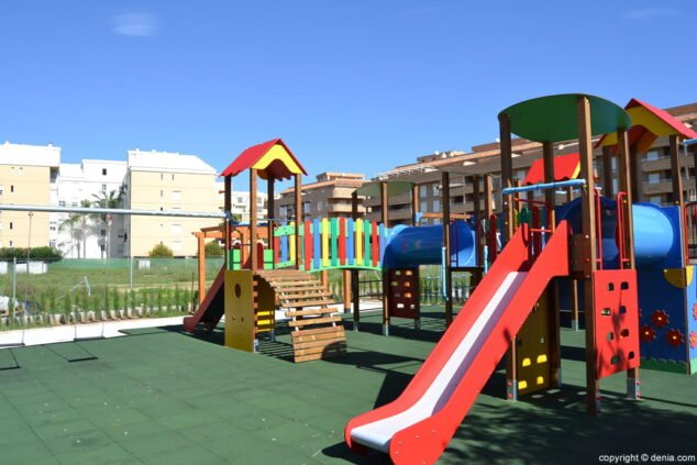 Imagen: Parque infantil de la avenida Miguel Hernández