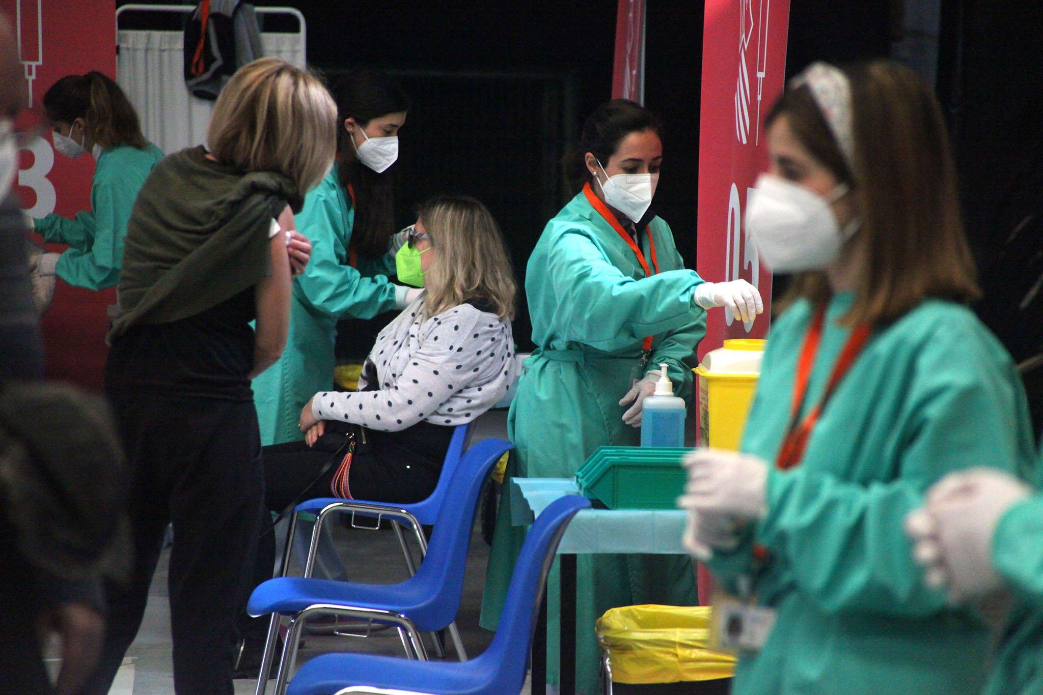 Proceso de vacunación masiva en la Marina Alta 05