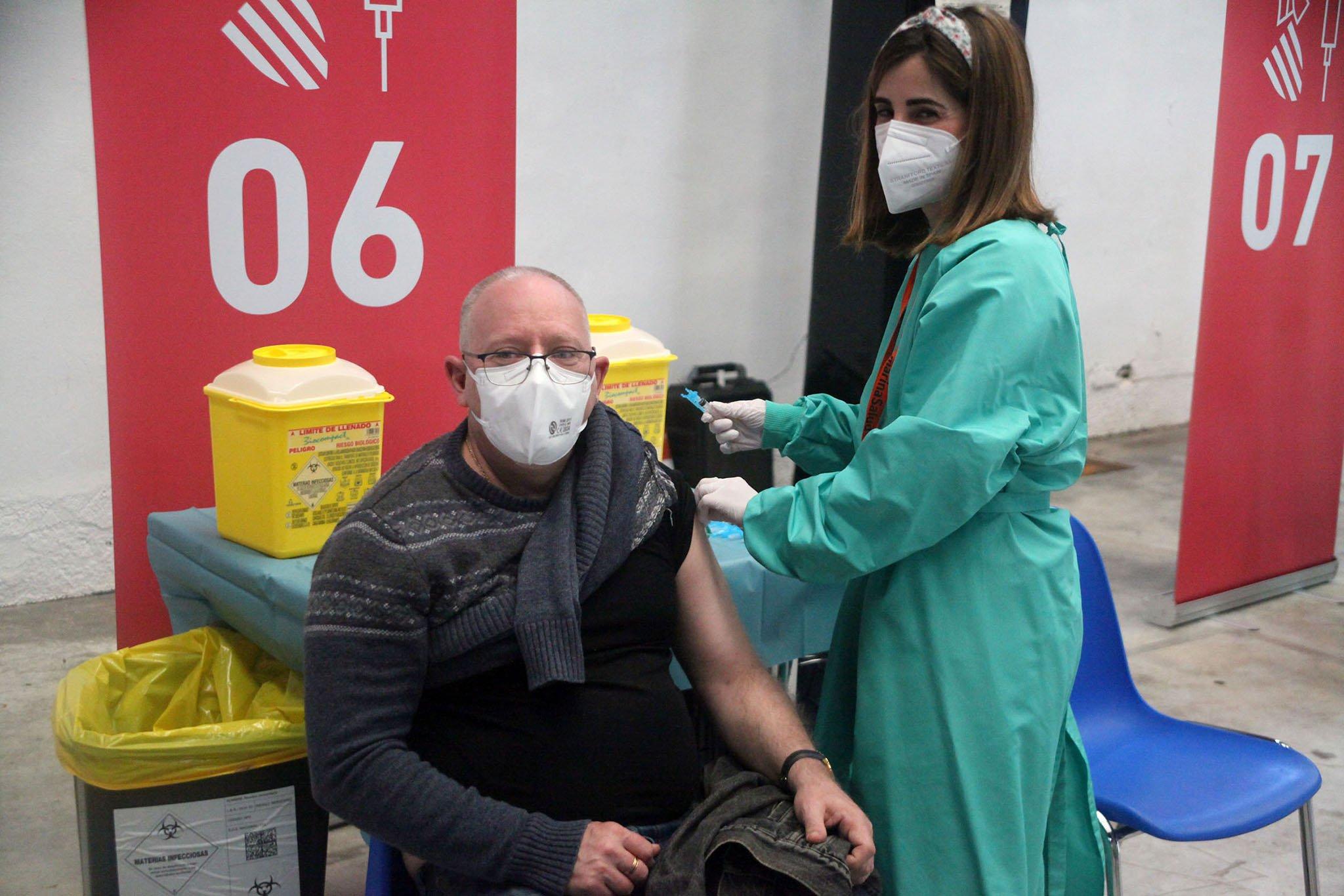 Proceso de vacunación masiva en la Marina Alta 06
