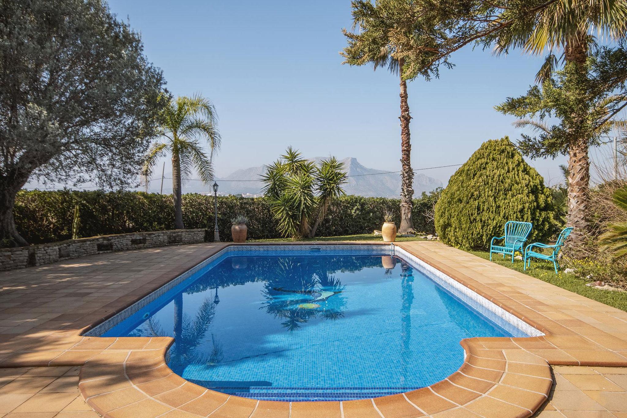 Finca romántica reconstruida ideal para vacaciones en Dénia – Aguila Rent a Villa