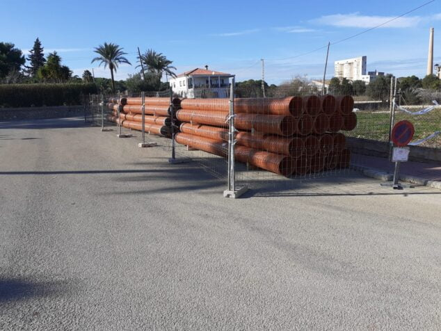 Imagen: Se han instalado más de 430 metros de nuevas conducciones en el entorno de las calles Artemis y Aquil·les