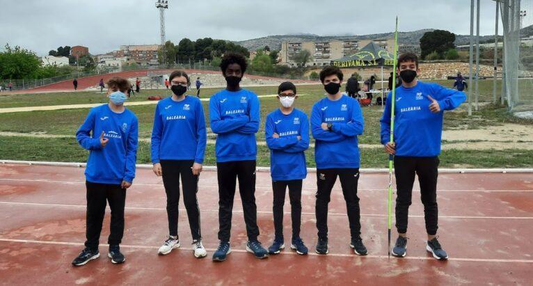 Atletas del Club Baleària Dianium en Elda