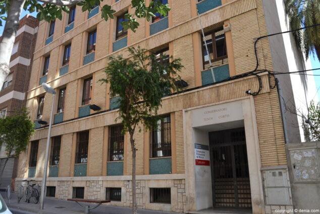 Imagen: Edificio que actualmente acoge el conservatorio