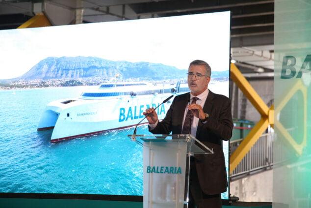 Imagen: Adolfo Utor durante la presentación