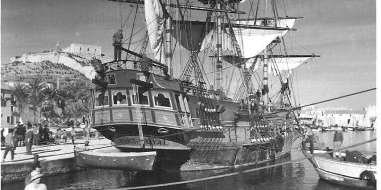 Barco durante el rodaje de la película en Dénia