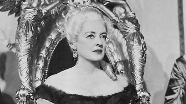Imagen: Bette Davis interpretando a Catalina la Grande en %22El capitán Jones%22