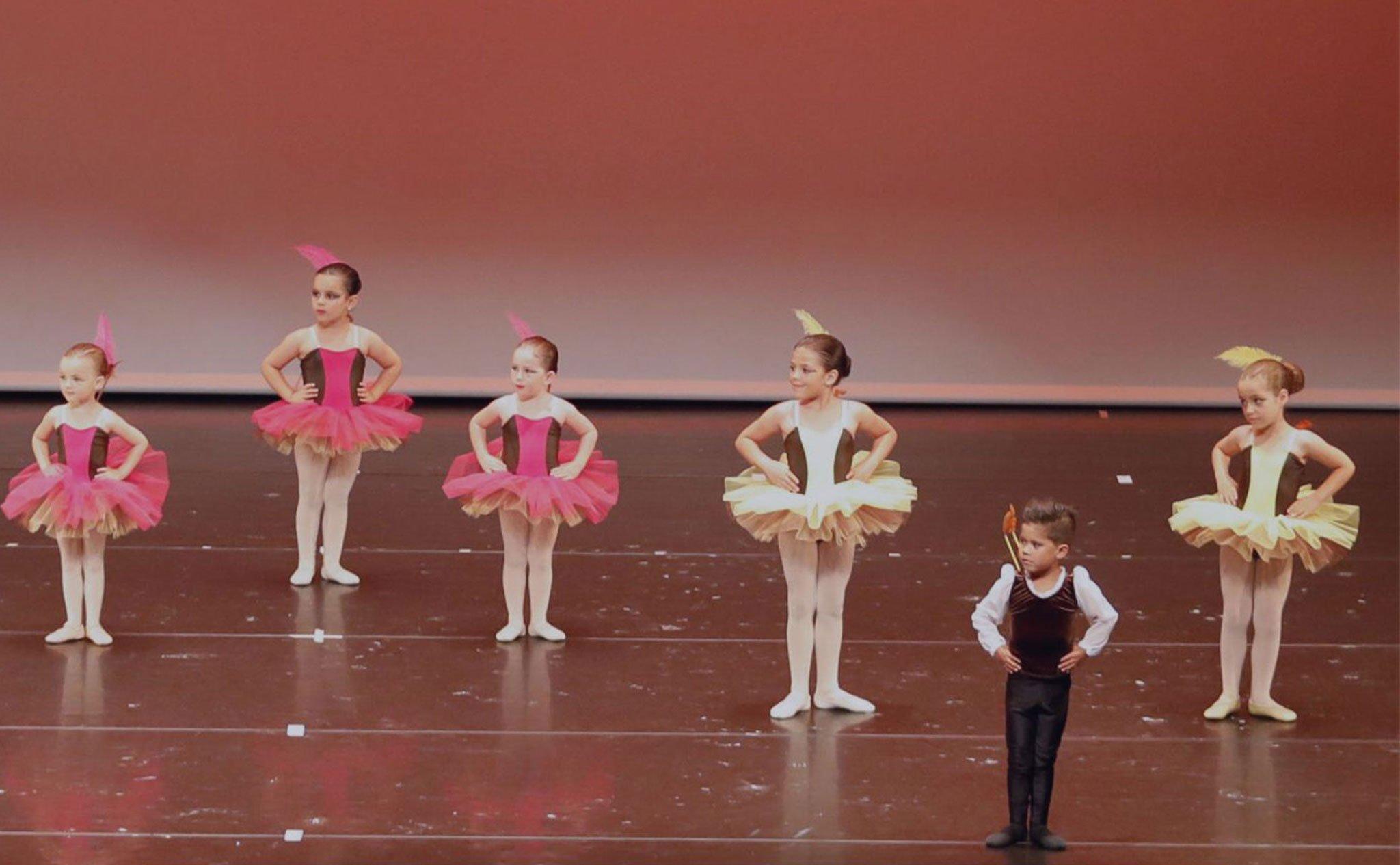 Foto destacada de las clases en julio en Estudio de Danza Patricia Sentí