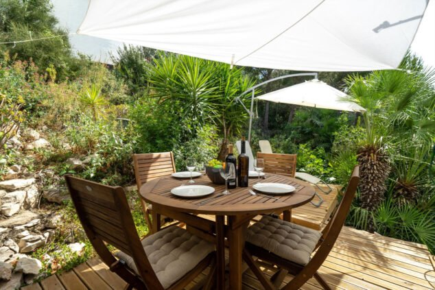 Imagen: Comedor exterior en un apartamento de vacaciones para cuatro personas en Dénia - Aguila Rent a Villa