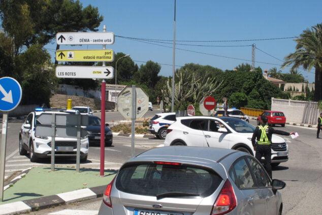 Imagen: Control de la policía en les Rotes