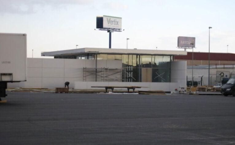 Edificio de presentación de BMW en Quart de Poblet, València - Quitec