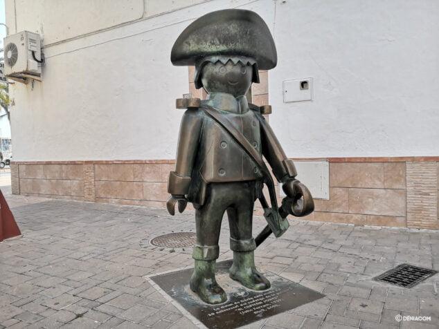 Imagen: Escultura que conmemora el rodaje de %22El capitán Jones%22