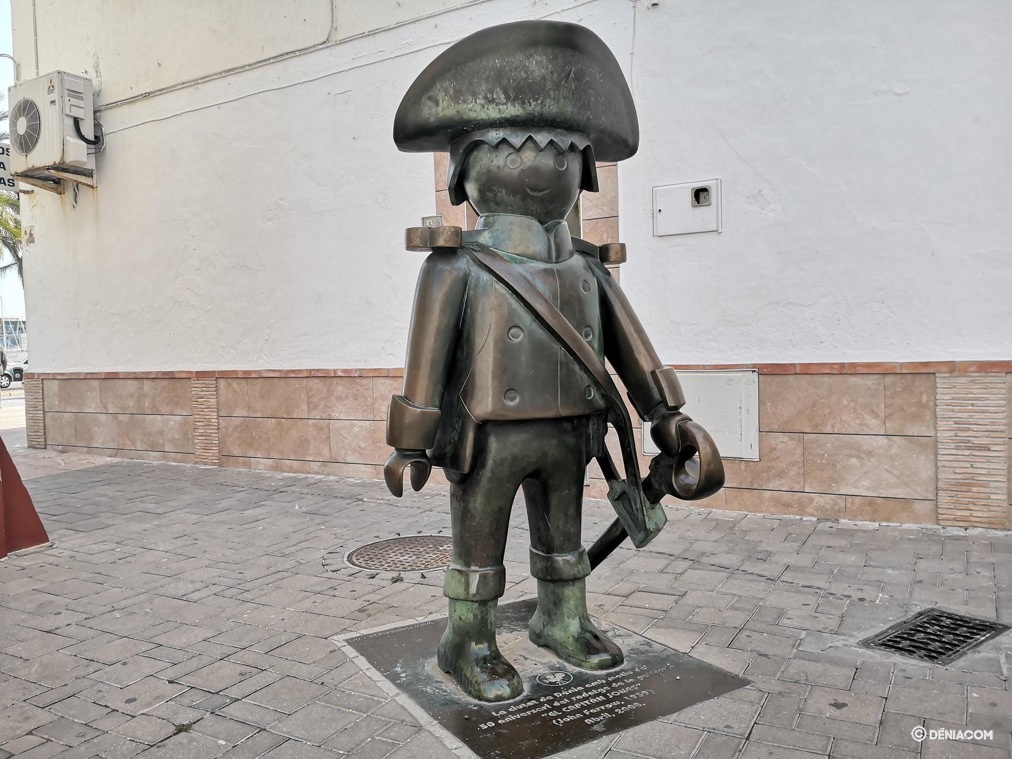 Escultura que conmemora el rodaje de %22El capitán Jones%22