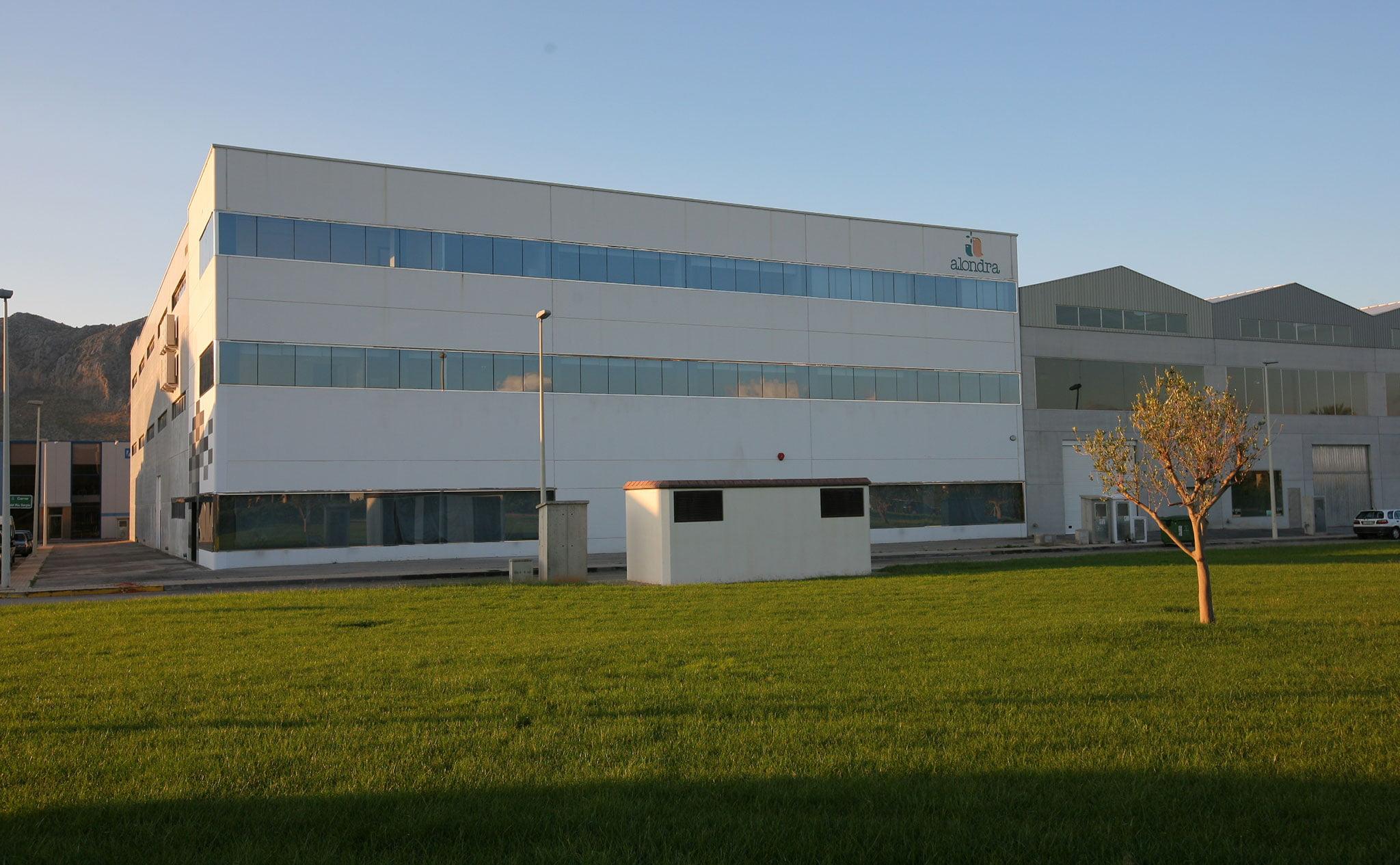 Exterior de las oficinas de Alondra en Beniarbeig