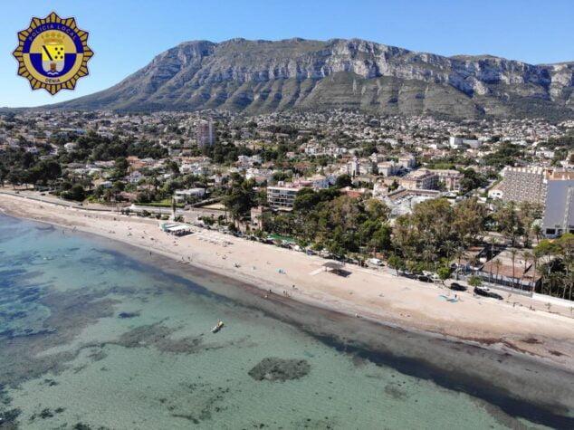 Imagen: Fotografía de la playa de Dénia tomada por el dron de la Policía Local