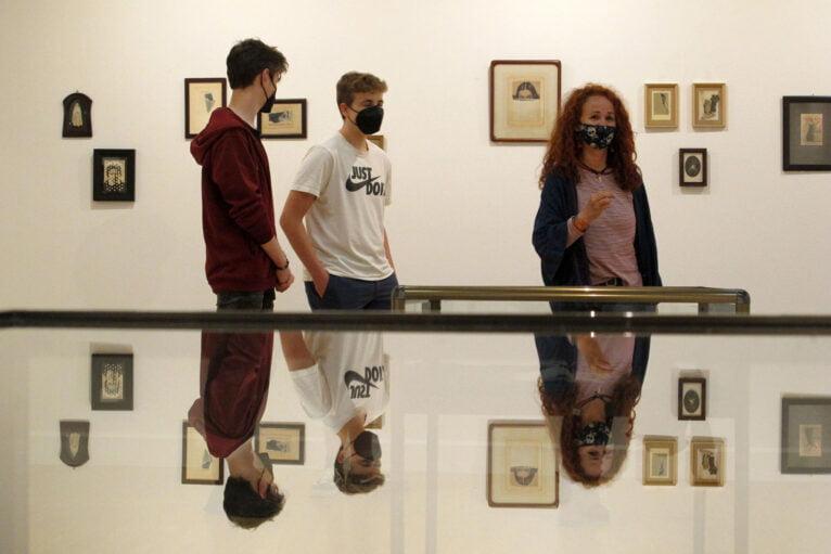 Inauguración de la exposición Mirar de cerca